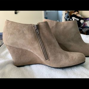 Aerosoles suede wedge booties